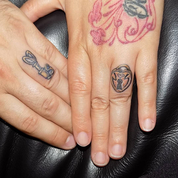 парные тату на руках
