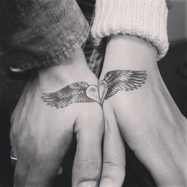 татуировка парная крылья