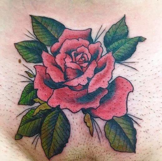 тату роза на женском лобке